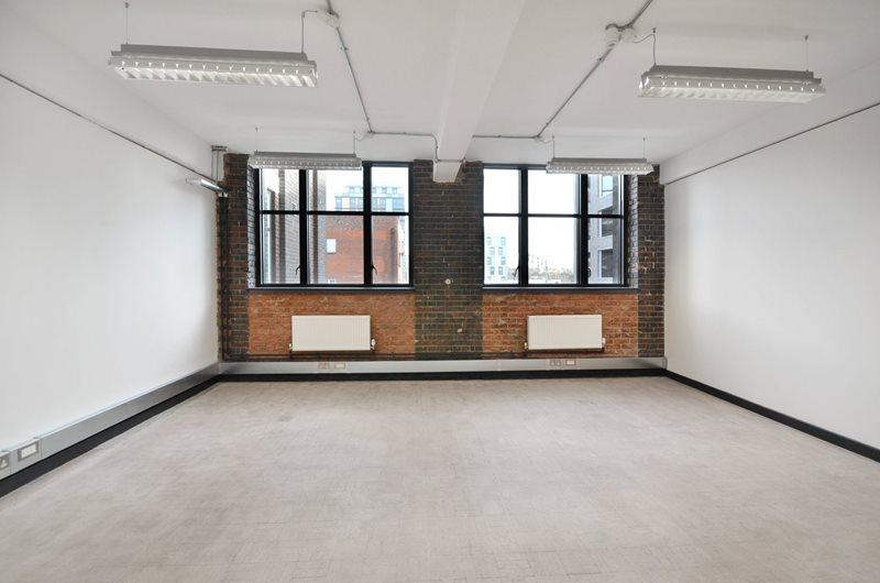Studio PB.203