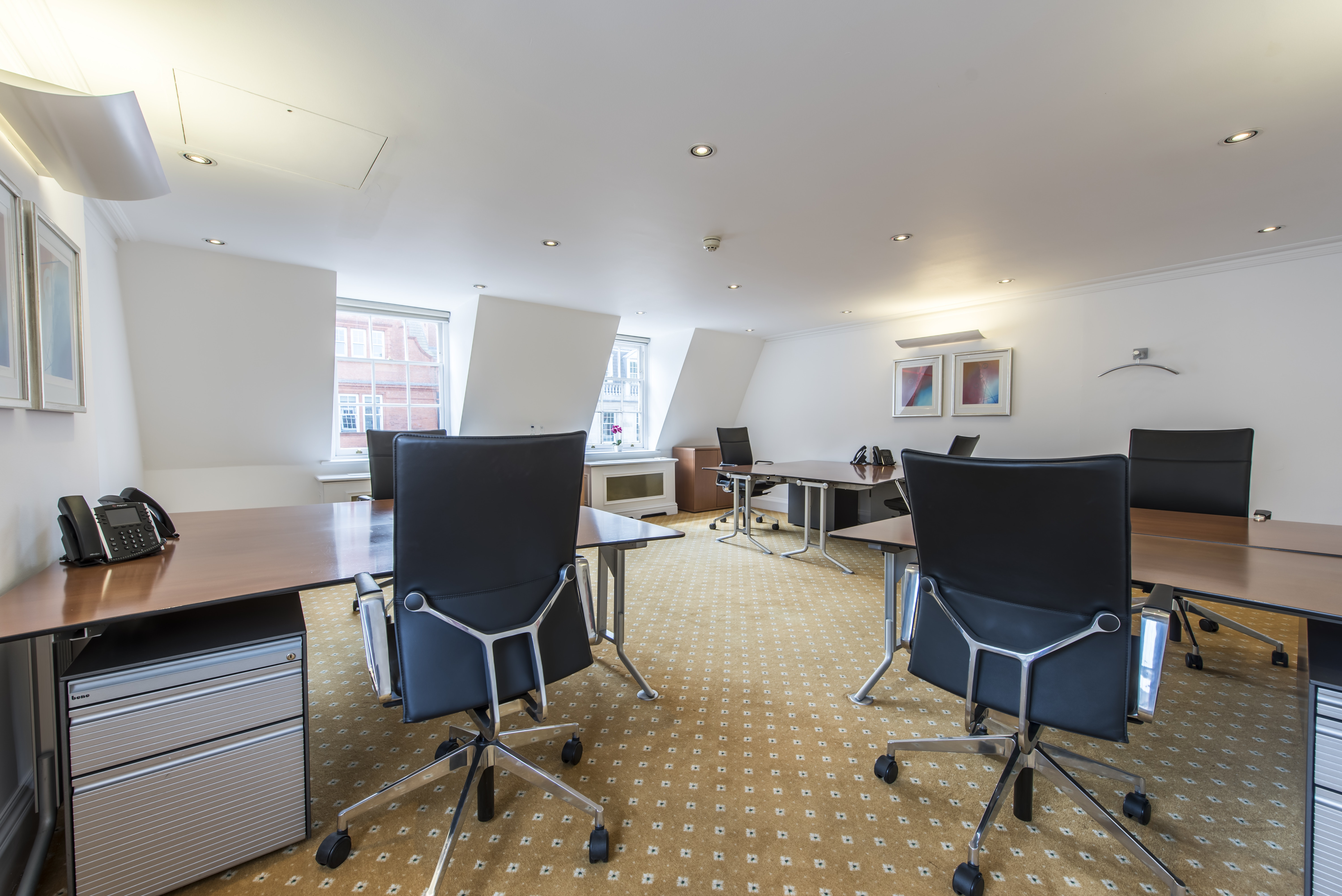 Rent An Office Or Desk In LEO   Davies Street | Hubble